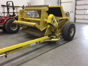 2017 DEGELMAN 7200 ROCK PICKER