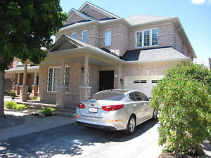 EXECUTIVE 4 BEDROOM HOME IN OAKVILLE AVAILABLE FOR LEASE