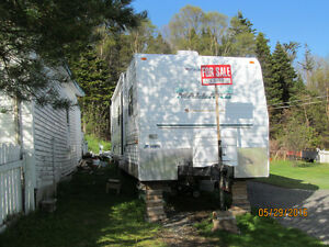 FOR SALE 2005 37 FT. TRAILER