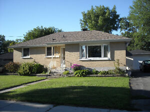 large main floor furnished room available january 1st Peterborough Peterborough Area image 5