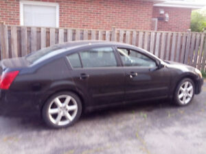 2004 Maxima, clean interior all leather, body in good condition