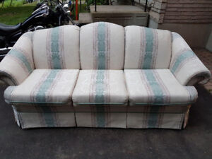 Chesterfield & love seat like new sold together or separate