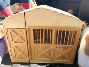 Kids Melissa and Doug Toy Wooden Barn -Good Condition -$110New