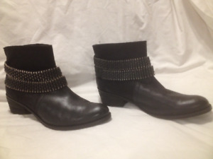 Ladies Black Leather Matisse 'Planet' Ankle Boots 8.5M