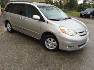 2006 Toyota Sienna LE V6 7 pass Remote Star Finance OACt