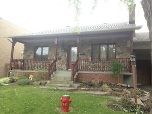 Lovely home w/pool, spa, carport in peaceful Pointe-aux-Trembles