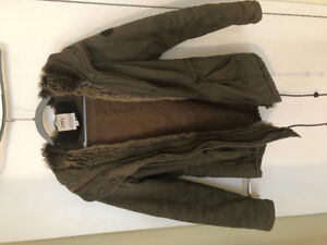 Fashionable Women's coat - size medium