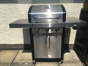 Char-Broil Professional propane BBQ