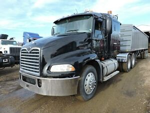 2005 MACK CH613  T/A DAY CAB   /WET KIT