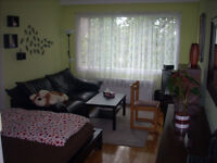 Clean and spacious 3 bdrm apartment 10 min from Dorval airport