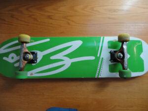 Skateboard complet qualité pro (planche NEUVE)