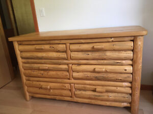 Incredibly well made gorgeous large 6 drawer LOG Dresser