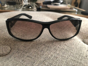 be9a3857ab418 Women s Sunglasses TWO PAIRS Gucci GG 2597 F S Black   Brown