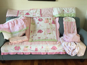 Crib Girls Complete Deluxe Bedding/Bedroom Set