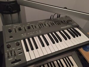 Roland SH-101 Monosynth with MGS-1 Modulation Grip West Island Greater Montréal image 1