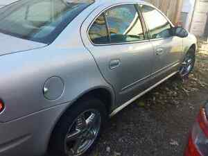 02 Alero - great parts car or fix it an drive London Ontario image 2