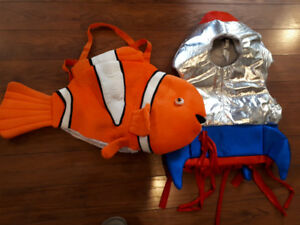$35 LOT 6 Halloween costumes goldfish rocket fusée amerindiens