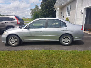 Honda civic 2005, 2000 $ ***Négociable***