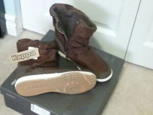 Short fall/winter boots for a girl or a lady with small feet 3-4 Kingston Kingston Area image 2