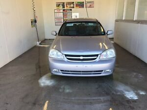 Chevrolet optra wagon 2006 low km!