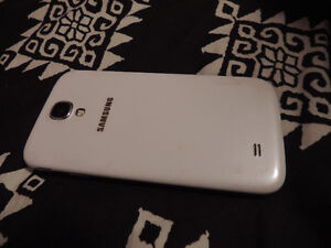 Samsung Galaxy S4 - White (Case Included)