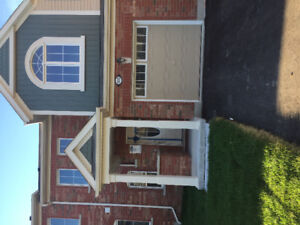 3 bedroom 3 washroom townhouse rent for $2100