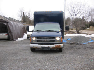 2002 Chev Express Cube 3500 M