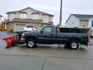 2003 GMC 2500 HD Long Box 4x4 with 2yrd salter & 8' Western Plow