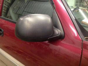 Power Heated Mirrors for 03-06 Chevy / GMC London Ontario image 2