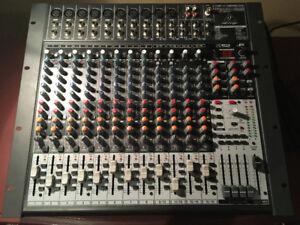Console Behringer X2442USB