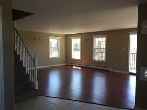 Spacious, clean and bright 3 Bedroom!