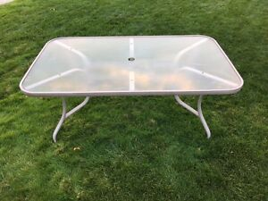 Patio table $40