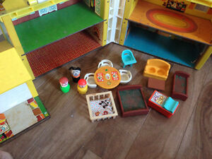 Very Rare Fisher Price Little People House