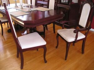 DINNING ROOM TABLE WITH CHAIRS West Island Greater Montréal image 7