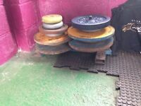 Weights 130kg steel / cast, inch hole -buyer collects