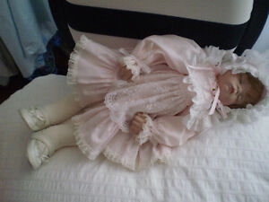 Adorable Hand Made Porcelain Baby Doll West Island Greater Montréal image 4