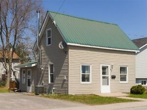 Arnprior Home For Sale, 2 bed, 1 bath - $159,900
