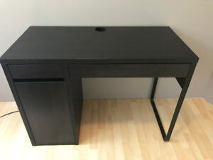 Slightly Used Black-Brown MICKE Desk