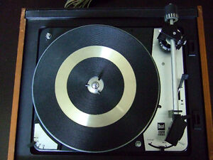 Immaculate Dual 1009 SK2 automatic turntable