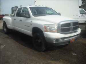 2007 DODGE DAULLY'S 4-DR DIESEL'S