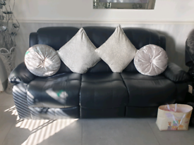 Black 3 seater 2 seater & chair recliners