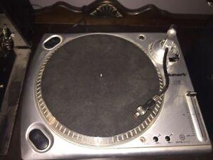 NUMARK RECORD PLAYER  Kingston Kingston Area image 1