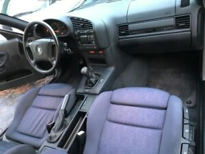 MANUAL-TRANS   E36  .....  BMW 318i S (Trim - M)