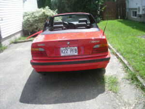 BMW 318i, 1994, convertible, transmission manuelle.