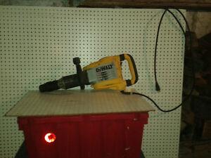 Outils : Consrruction ,rénovation a vendre.