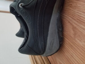 Keen Black Leather Shoes Size 8.5