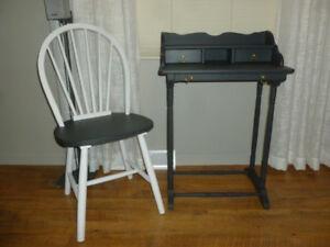 Meuble sécrétaiire et chaise