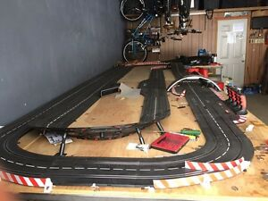 Digital 132/124 Carerra Slots Car Track and Cars