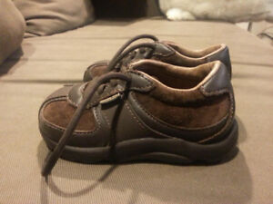 Leather Stride Rite Boys Shoes size 6