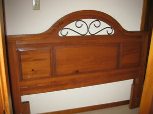 Solid wood headboard to fit double or queen size bed.